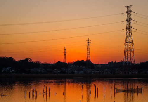 camera travel trees sunset orange lake water lines japan contrast nikon power zoom dusk chiba 日本 70300mm gaijin 旅行 kashiwa 写真 千葉 外人 teganuma 外国人 柏 ニコン 我孫子 lr4 手賀沼 d7000 湯やけ lightroom4