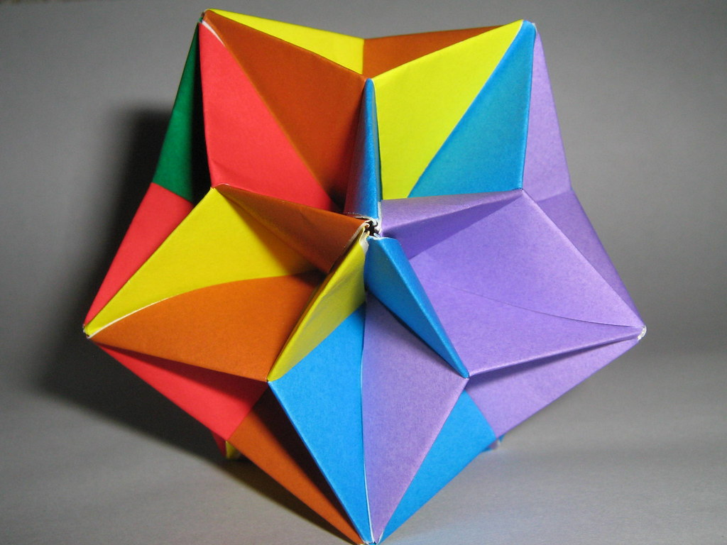 How to Fold a small iambic icosahedron origami star for Christmas ... | 768x1024