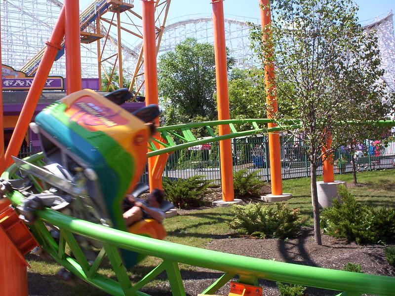 Mr. Six's Pandemonium at Six Flags New England
