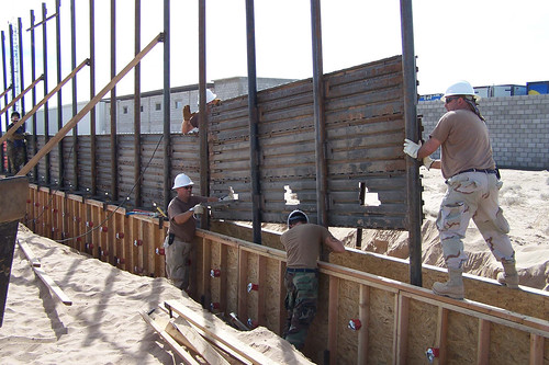Public Domain: Border Fence by Dan Heaton, U.S. Air Force (DOD Photo 061003-F-1726H-004) | by pingnews.com