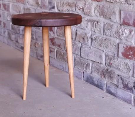Awe Inspiring Three Legged Stool 16 000 Woodworking Plans Inside 1600 Beatyapartments Chair Design Images Beatyapartmentscom