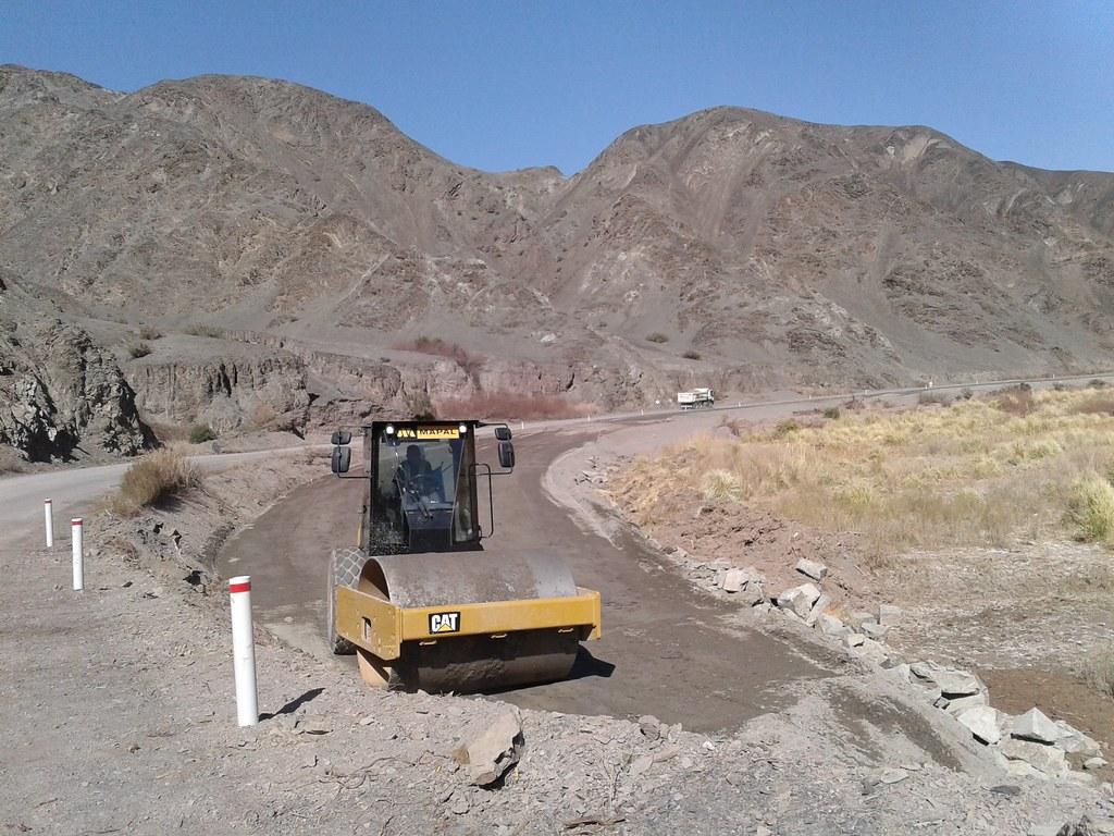 Se puso en marcha la obra de la RP N°12 en el tramo Pachaco-Calingasta (5)