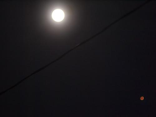 Full moon; Mars perihelion opposition   by cizauskas