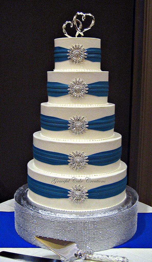 Elegant White Buttercream Wedding Cake With Royal Blue Sas Flickr
