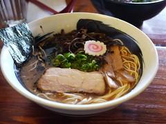 日, 2013-01-20 12:21 - 豚骨醤油ラーメン