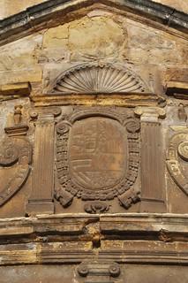 Úbeda (Jaén). Iglesia de San Pablo. Cabecera. Escudo