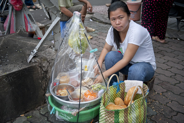 V066 Breakfast sandwich vendor - Saigon