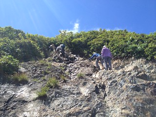 冠山 頂上直下の岩場 | by ichitakabridge