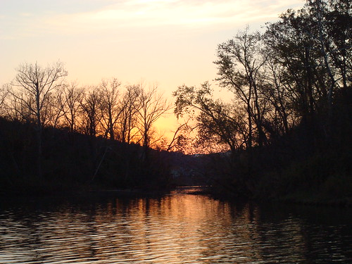 cruise sunset reflection water boat scenery silhouettes missouri branson bransonmo laketaneycomo sunsetdinnercruise roarkcreek mainstreetlakecruises 100ftluxuryyacht onthebransonlandingsprincess