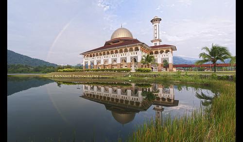panorama reflection nikon c islam mosque serenity malaysia getty rainbows tamron dq masjid gi 1003 gettyimages vibrance pelangi tasik mesjid kualakubu kkb niksoftware huluselangor d300s darulquranjakim annamir darulquran tasikhuffaz muktasyaf huffazlake qousuqozah ringexcellence photoshopcs6 muktasyafannamir sanahhelwah ustazannamir shbsa