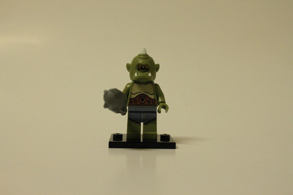 CYCLOPS 71000 LEGO MINIFIGURE SERIES 9