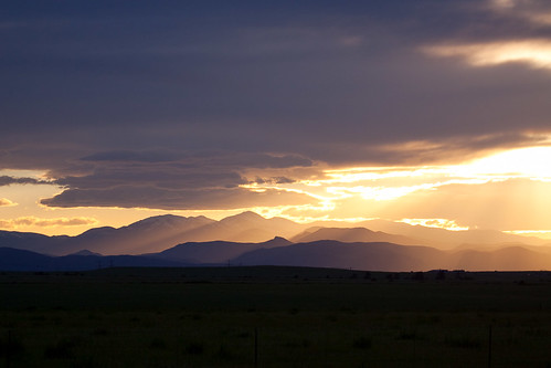 sunset storm mountains clouds colorado unitedstates coloradosprings lightrays franktown