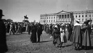 17th of May celebrations, The Royal Palace, Oslo, 1918.