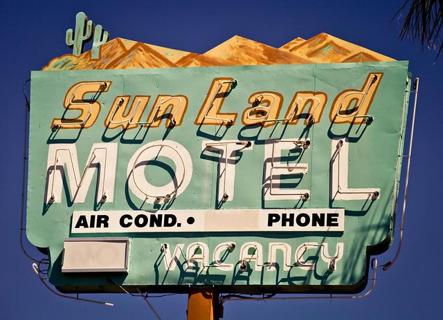 Sunland Motel - Explored