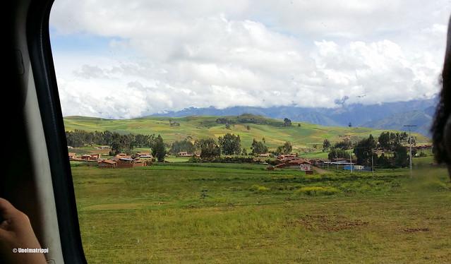 Maisemaa matkalla Cuscosta Ollantaytamboon