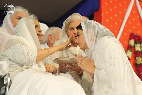 Satguru Mata Savinder Hardev Ji applied traditional sacred mark (Tilak) on the forehead of Rev. Sudiksha Ji