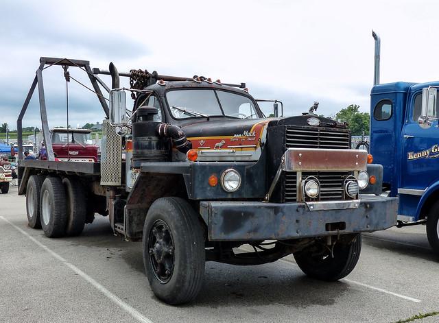 Rusty Mack B-815 V8 Flatbed Truck