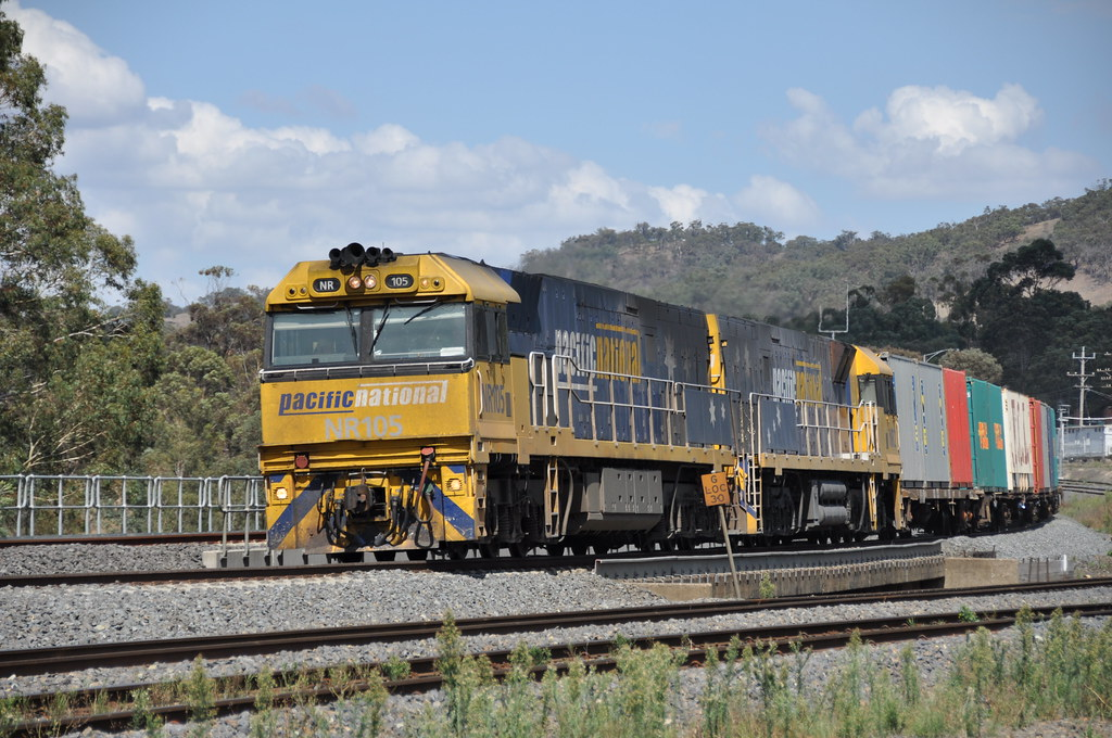 NR105+NR2 kilmore east 20/3/2013 by roreeves