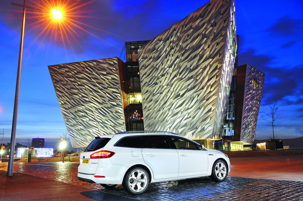 Estate car_Ford Mondeo Estate_rt