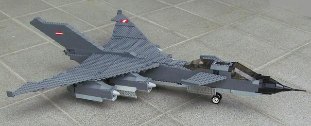 The Ofnir bomber - side view