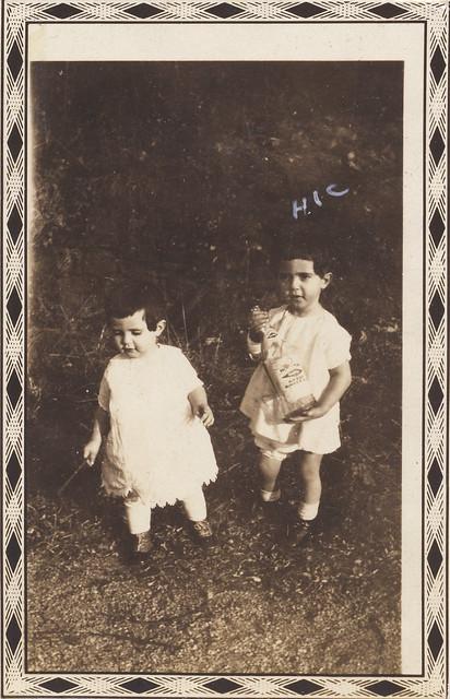 Clara and Vilma, 1930