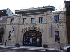 金, 2013-02-01 12:49 - Marché St-Jacques前の公衆浴場だったらしい建物