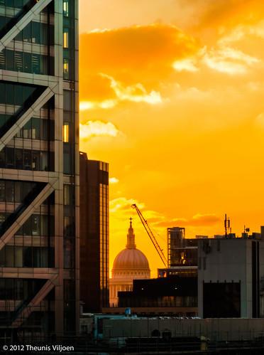 sunset london stpaulscathedral herontower