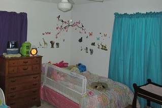 Lucy's side of the new room   by poobou