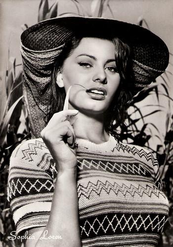 Sophia Loren in La donna del fiume (1954)