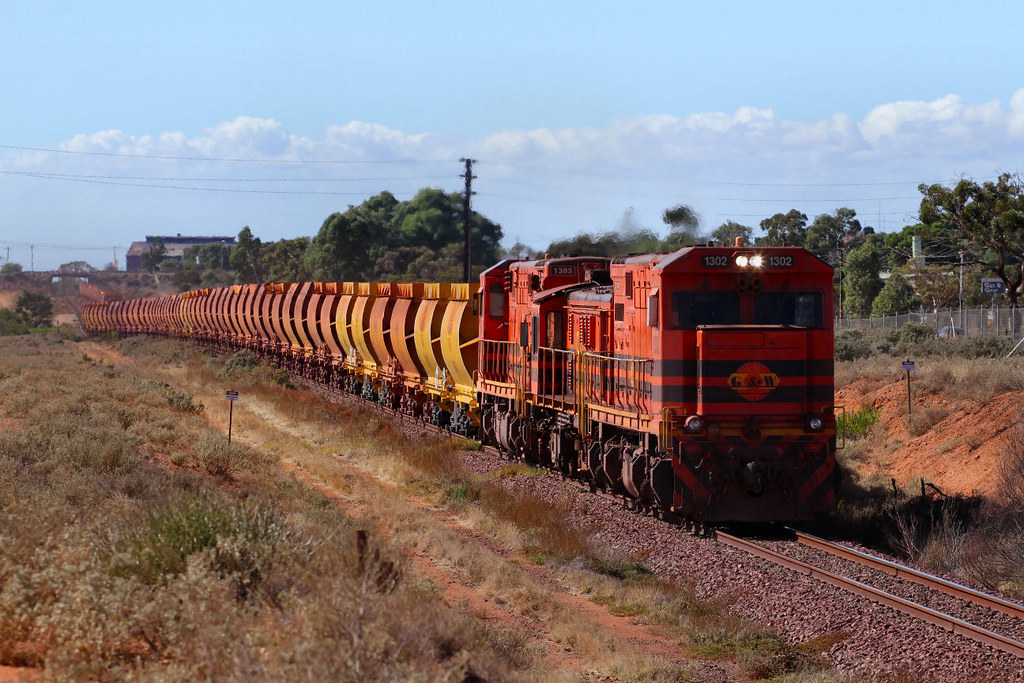 1302 847 1303 WD72 Empty Iron Duke Ore Freyers Cutting Whyalla 23 03 2013 by Daven Walters