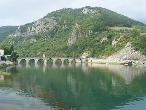 bridge river europe most balkans balkan visegrad reka drina bosniaandherzegovina bosnaihercegovina višegrad riverdrina flickraward mostmehmedpašesokolovića nadrinićuprija rekadrina mehmedpašasokolovićbridge mostnadrini sokollumehmedpaşaköprüsü