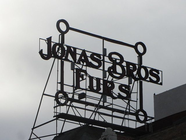 Great Rooftop Sign