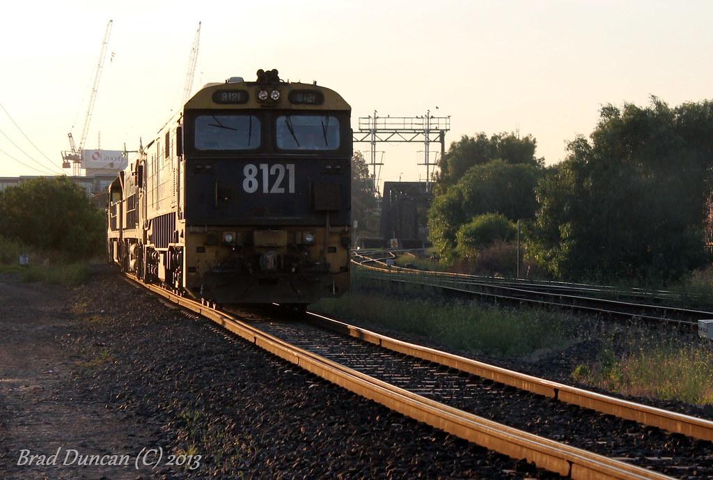 8121 by Hitachi 300M