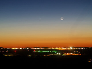 Comet PANNSTARS and the moon above Adelanto. | by bossco