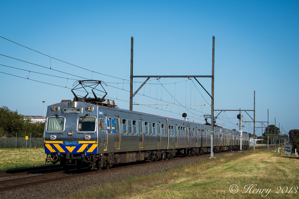 Hitachi into Huntingdale by Henry Owen