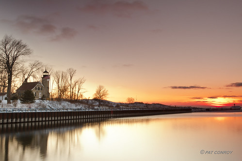 winter sunset lighthouse snow ice water canon landscape outdoors michigan lakemichigan greatlakes whitehall montague westmichigan whiteriverlighthouse canonef24105mmf4lisusm whiteriverlightstation whitelakelighthouse
