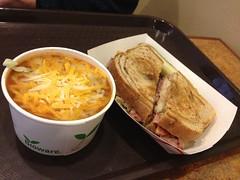 金, 2013-03-01 14:00 - Big Billie's Restaurant at Meadows