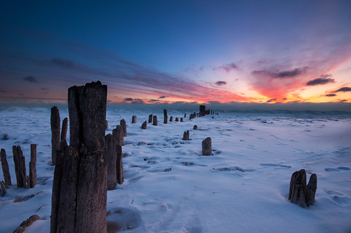 morning winter lake snow chicago cold ice sunrise dawn pier frozen illinois nikon decay michigan freezing sigma manual evanston 1020mm piling blending d90