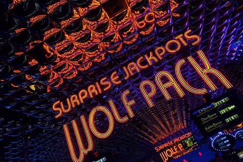 usa america neon unitedstates nevada unitedstatesofamerica casino reno wolfpack peppermill peppermillcasino peppermillhotel peppermillcasinoandresort