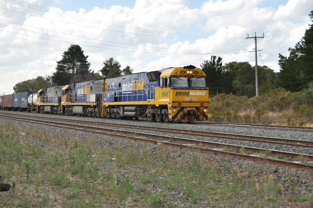 NR49+NR29+NR21 kilmore east 20/3/2013 by roreeves