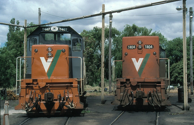 T 407 and 404