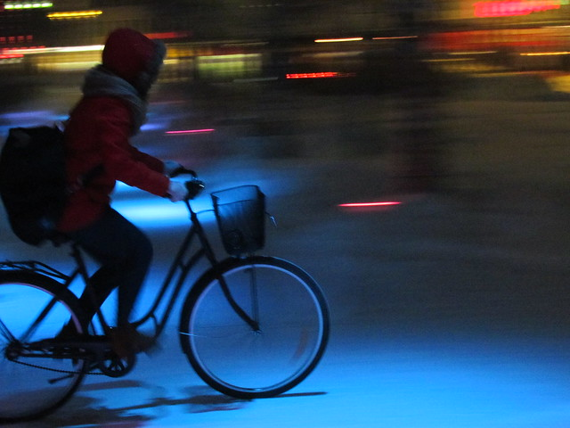Nighttime winter cycling coulours