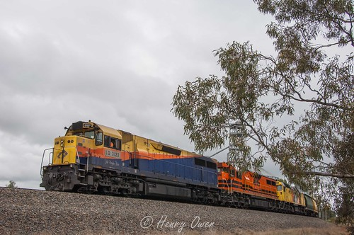 QRN Loading | by Henry's Railway Gallery