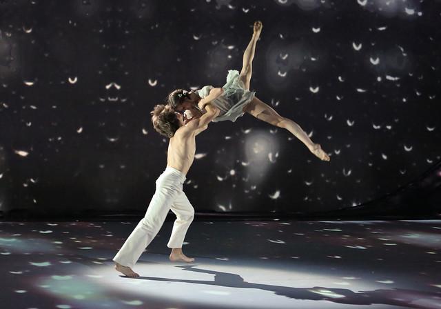 Anna Tikhomirova and Artem Ovchrenko (Bolshoi Ballet)