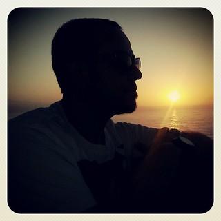 Como los días soleados que nos regalan #sunset la sonrisa inesperada nos alienta el corazón. | by Pedro Baez Diaz @pedrobaezdiaz