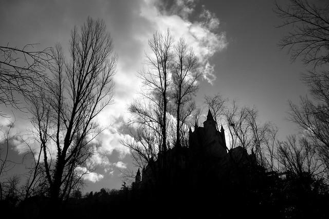 Castillo de cuento de miedo