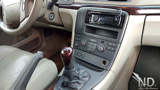 Volvo S80 2.4T 1 DIN fascia with pioneer headunit | by ND-Photo.nl