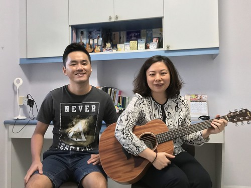 1 to 1 guitar lessons Singapore Joyce Siew