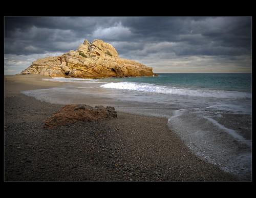 sea beach rock mar nikon playa nubes torn 1855mm cluds roca tarragona baixcamp platja nudismo naturismo núvols naturisme costadorada costadaurada nudisme playadeltorn platjadeltorn d300s illotdeltorn eltorn rockinsea