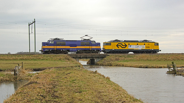EETC 1252 & KLOK 1315 als trein 87703 bij Nieuwerkerk aan den IJssel